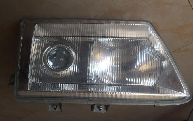 FM240 Truck Cabins Body Parts Of Head Lamp Glasses Cover OEM No. 3711020-Q156A