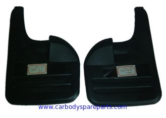 China Rubber Car Mud Flaps Replacement , Toyota Hilux Vigo 2000-2006 2WD Molded Mud Flaps supplier