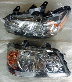 China Left & Right Pair Car Headlight Sets for 04-06 Toyota Highlander 2005  8113048280 8117048280 distributor